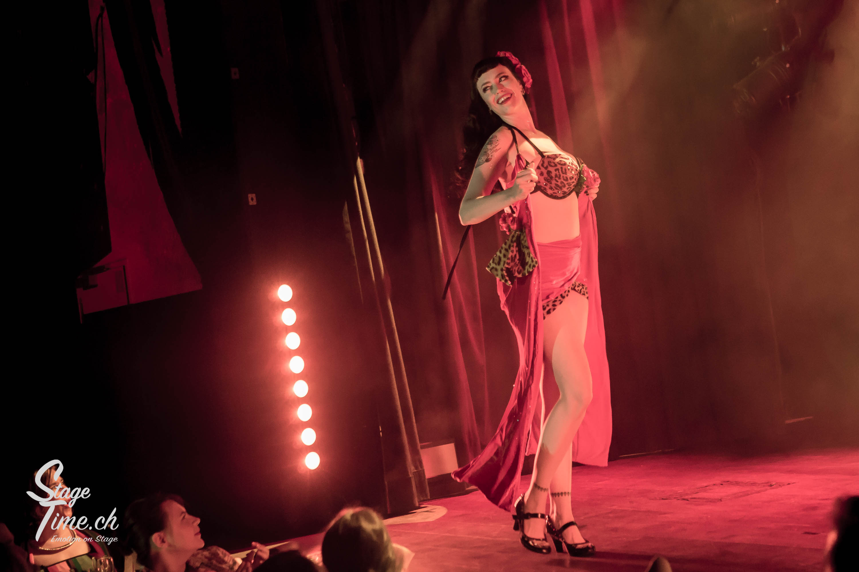 La_Viola_Vixen___Zurich_Burlesque_Festival-7