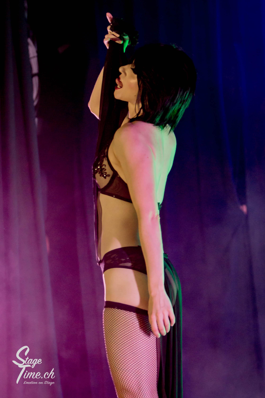 Michelle_L'amour___Zurich_Burlesque_Festival-8