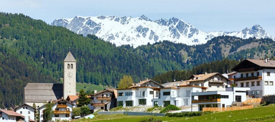 comunità-montana-paese-montagna-alpi-890