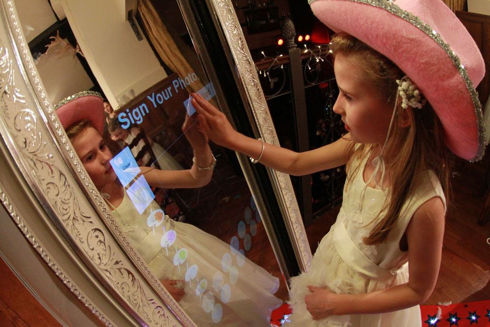 Magic Mirror touch screen draw