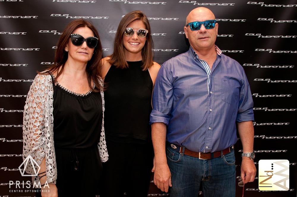 Irene,Paloma y Pedro propietarios de óptica Prisma