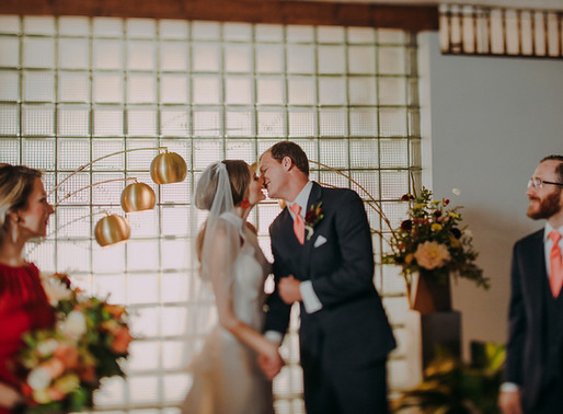 6 Easy Ways to Have the Ultimate Mid-Century Modern Wedding