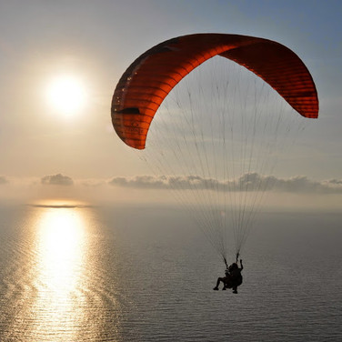 Paragliding in Ile Rousse
