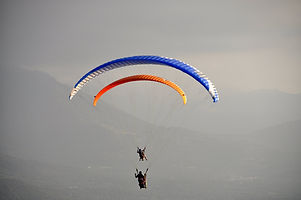 Tandem paragliding with Altore