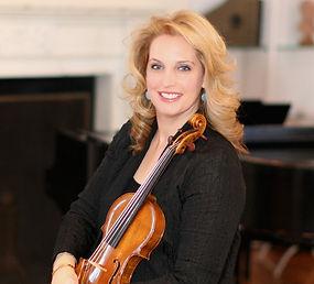 Violinist Amelia Gold