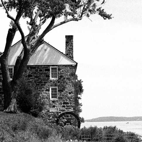 0032_AK0A0932_Perry_Point_Grist_Mill_B&W