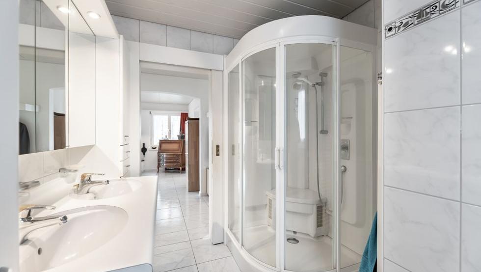 06-Badezimmer.jpg