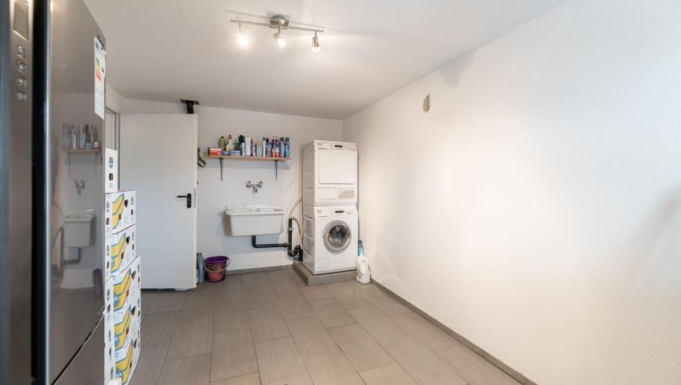 12-Waschraum.jpg