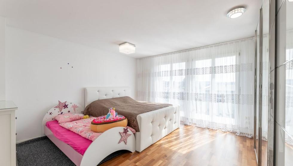 06-Schlafzimmer.jpg