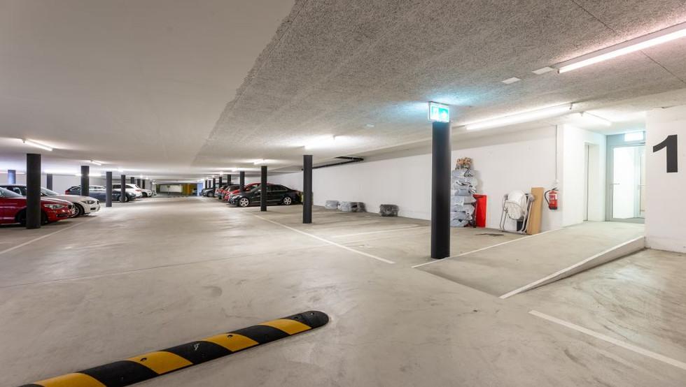 11-Garage.jpg