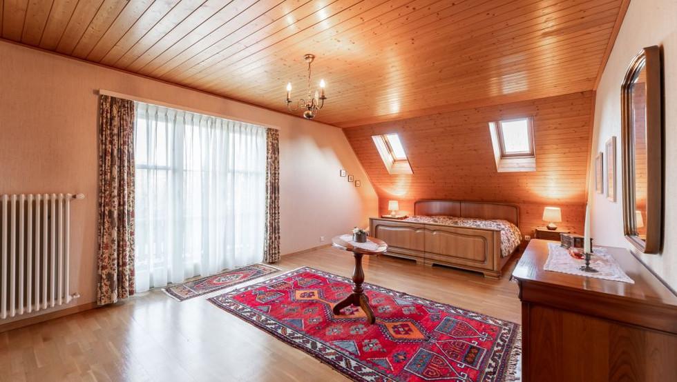 12-Schlafzimmer.jpg