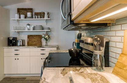 VHR102_kitchen_(9of11).jpg
