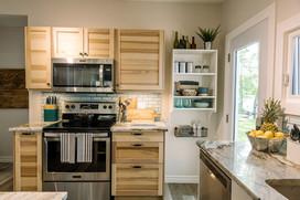 VHR102_kitchen_(7of11).jpg