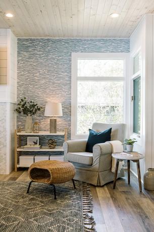 VHR102_livingroom_(20of32).jpg