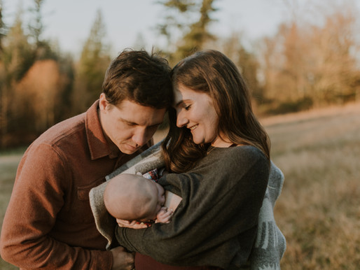 mary jon and warren | family celebrates breastfeeding on lewis creek hilltop of cougar mountain