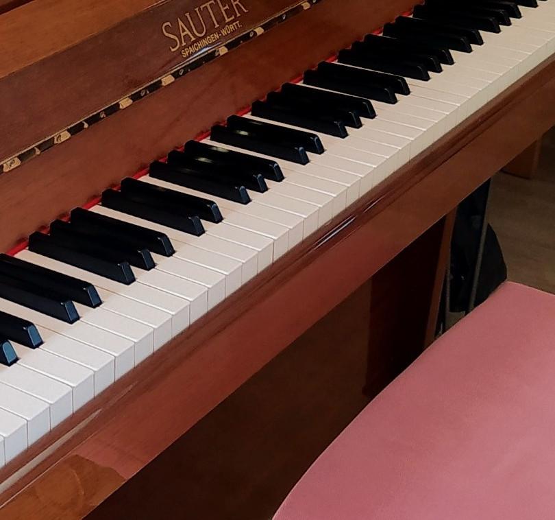 piano2_edited_edited_edited_edited.jpg