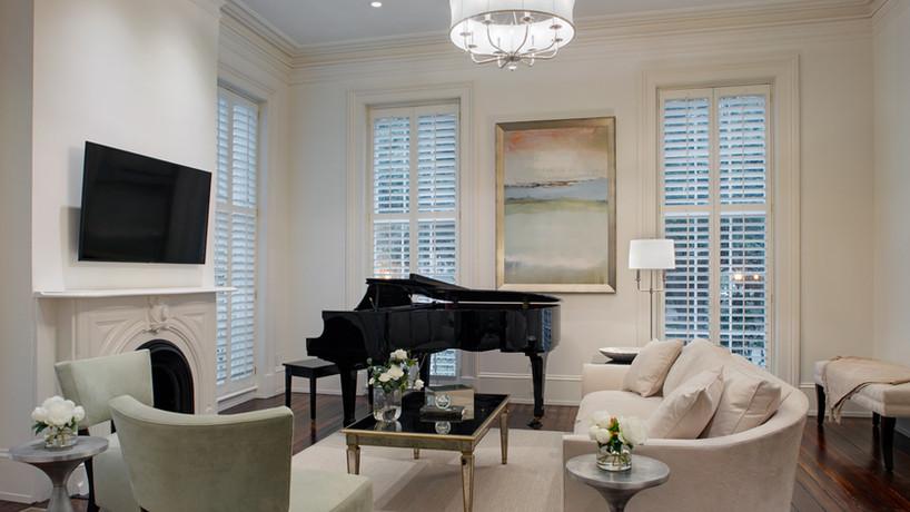 The Jules Jade Livingroom