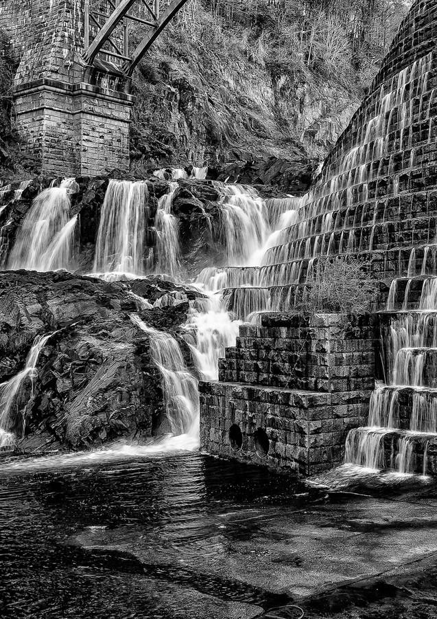New Croton Dam in B&W