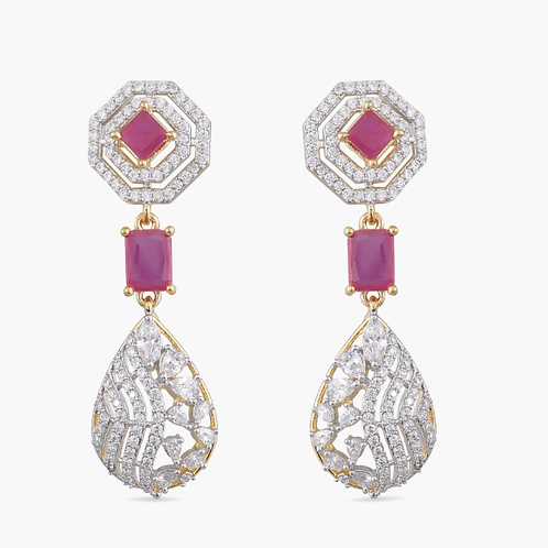 Classic pair of Crystal Earring