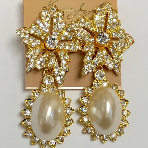 Gold-plated with crystals flower top and white pearl drop clip earring