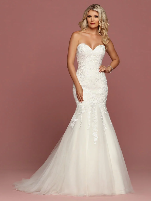 Tulle Mermaid Sheath Designer Strapless Lace Gown W/ Chapel Train
