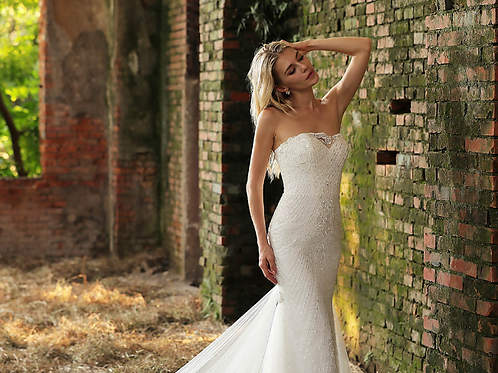 Strapless Beaded Lace Fishtail Wedding Dress