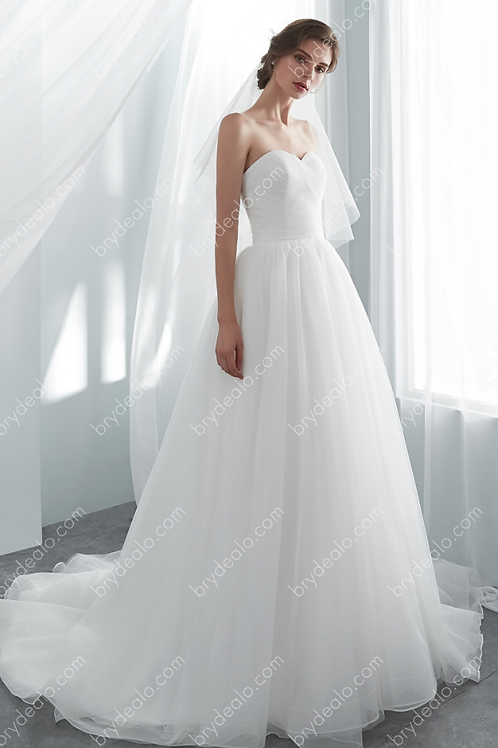 Simple White Strapless Sweetheart Bridal Gown