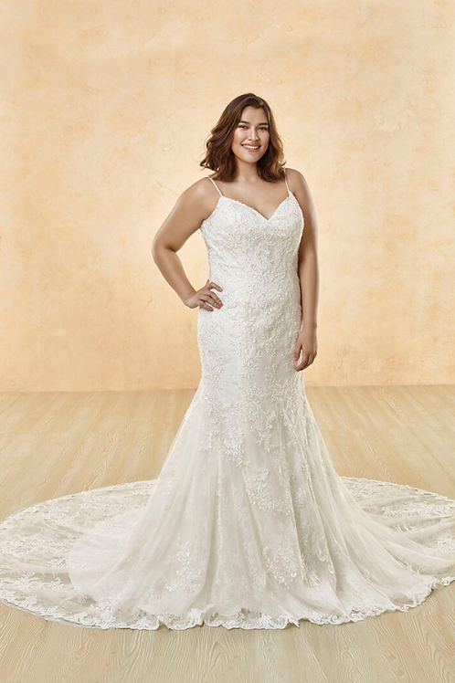 Mignon Manley OV2013 Stunning Embellished Lace CURVY Bridal Gown