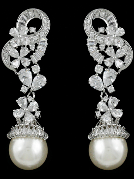 Mignon Manley Stunning light ivory pearl earrings