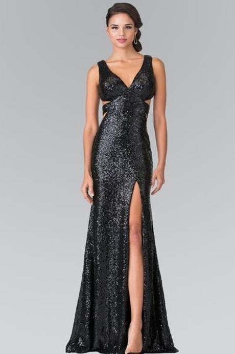 NEW V-Necked Sleeveless Full Length Evening Dress