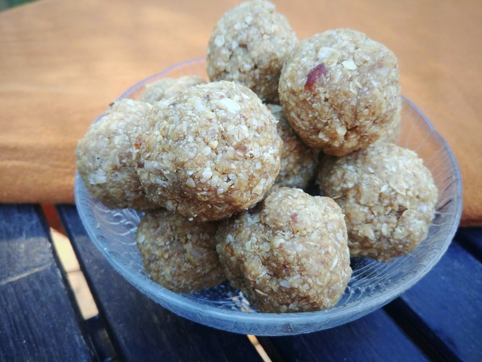 Peanut butter protein balls in a bowl