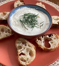 Patê de Queijo Branco com alho