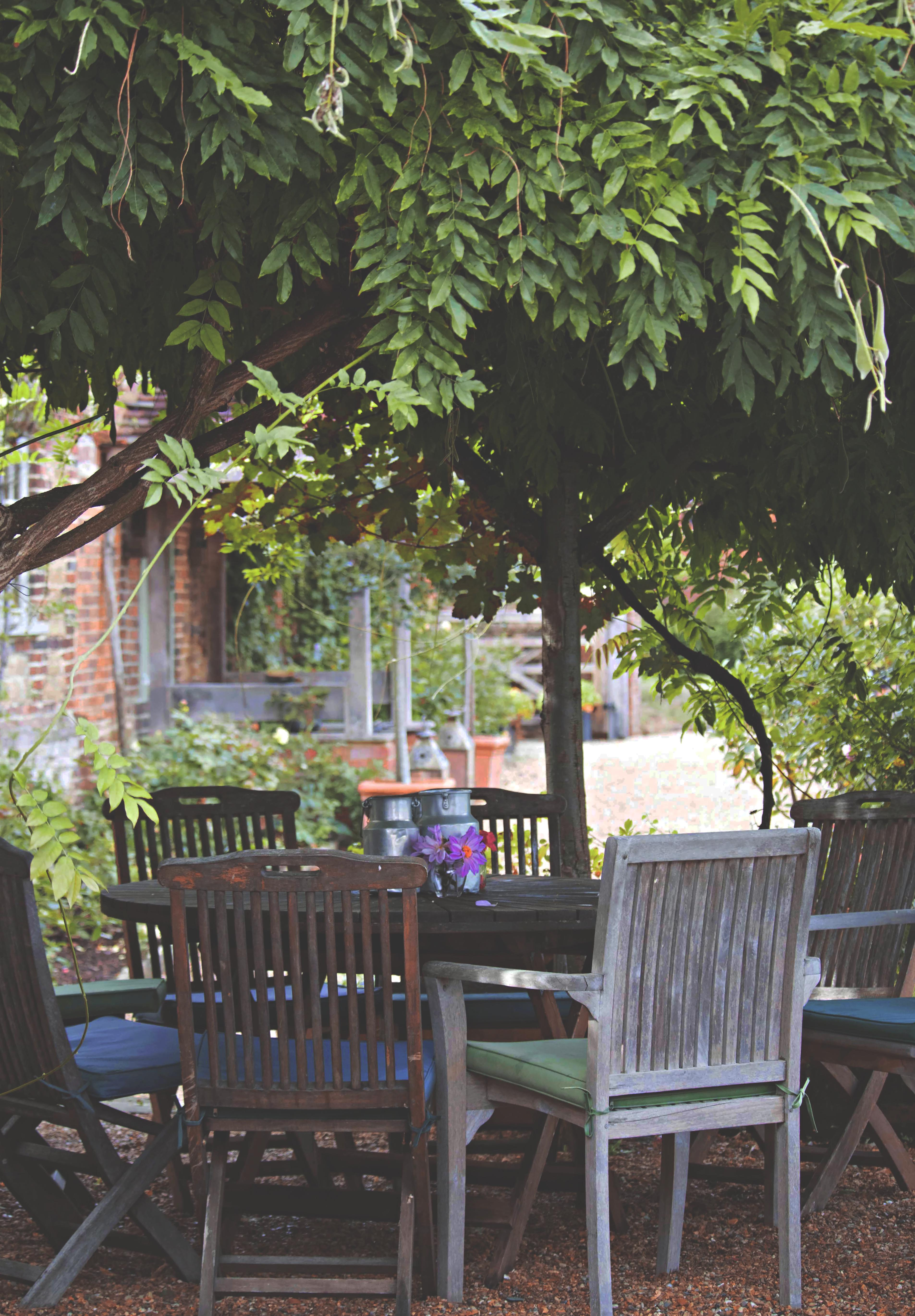 Outdoor English Wedding Venue Seating