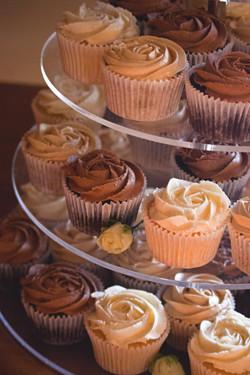 Chocolate & Vanilla Wedding Cupcakes