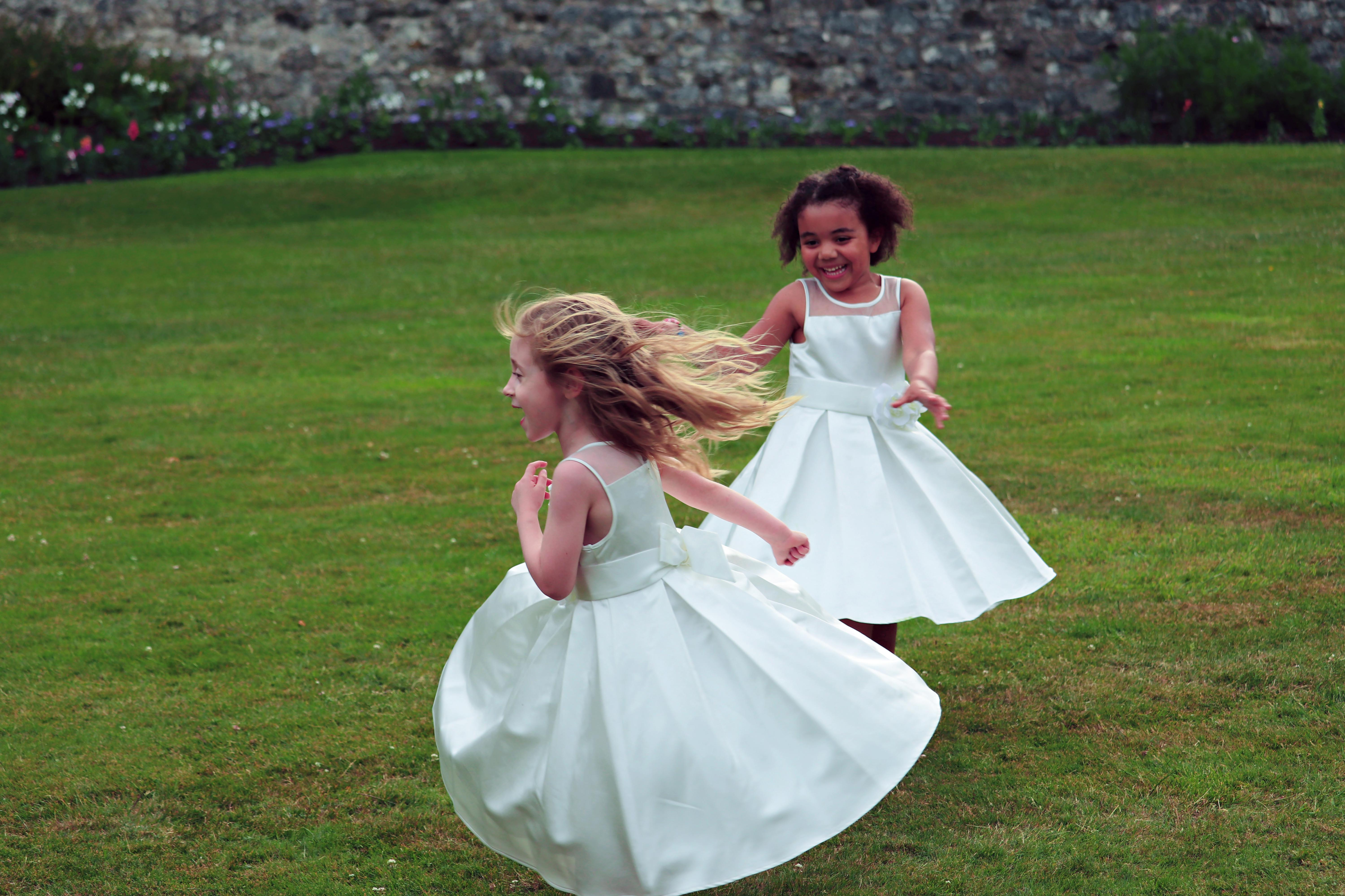 Candid Wedding Guest Flower Girl Photography