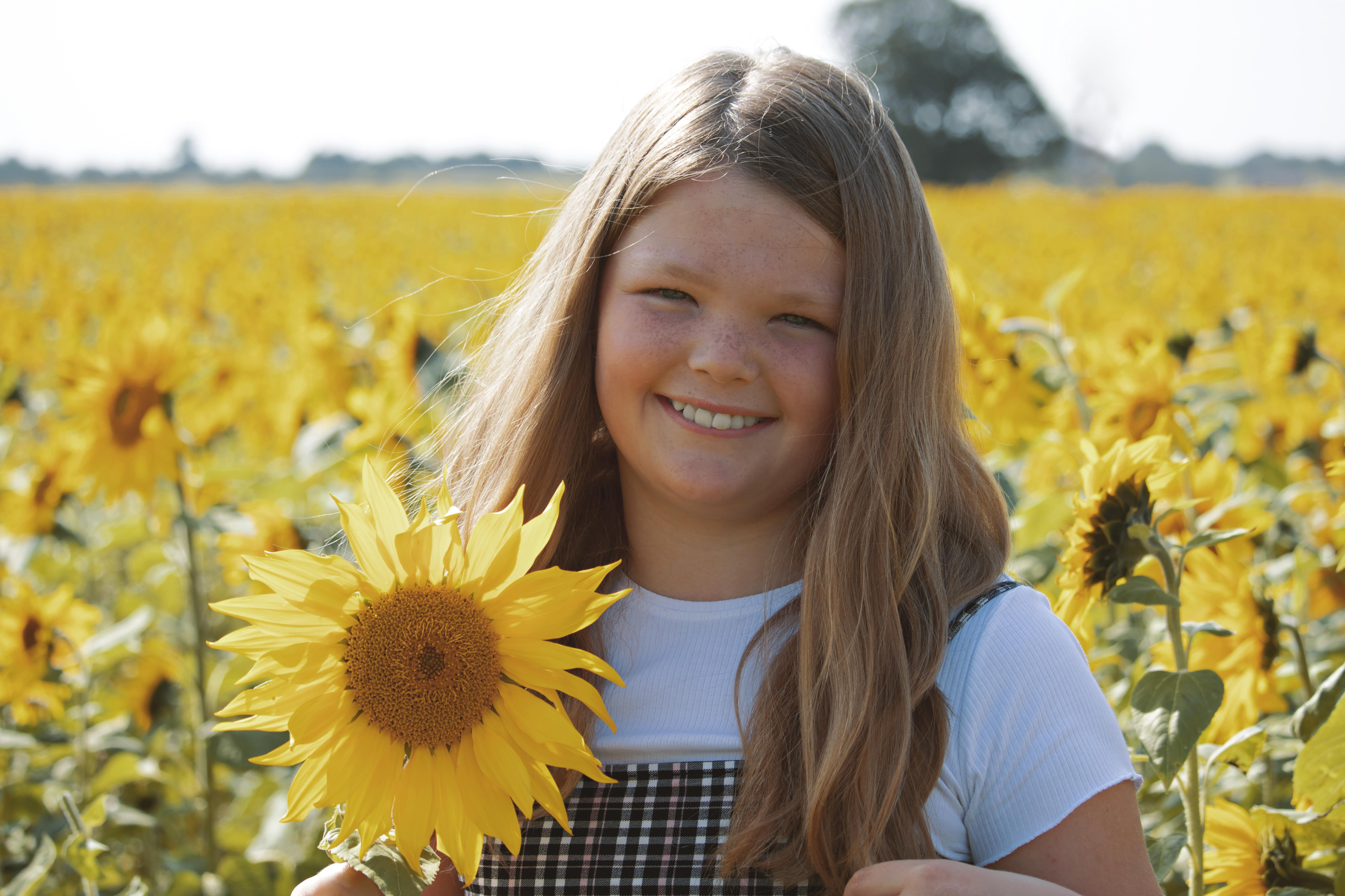 Relaxed Family Photoshoot at the Sunflowers