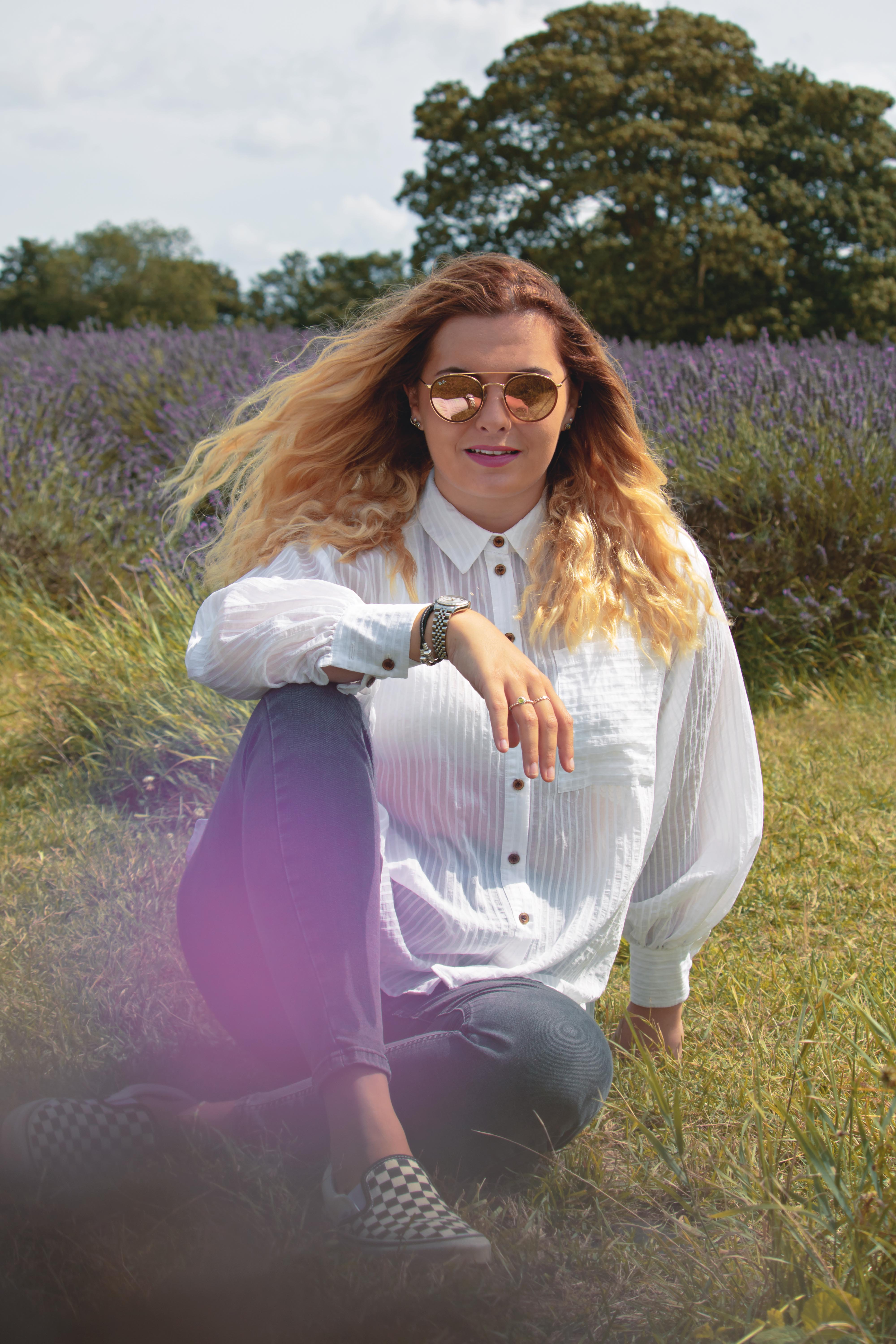 Relaxed Branding photography in the Lavender