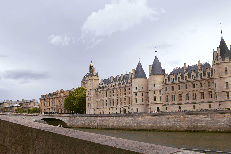 The Musee des arts decoratifs