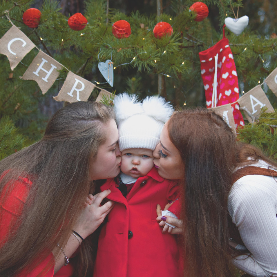 Family Portraits at Christmas Time