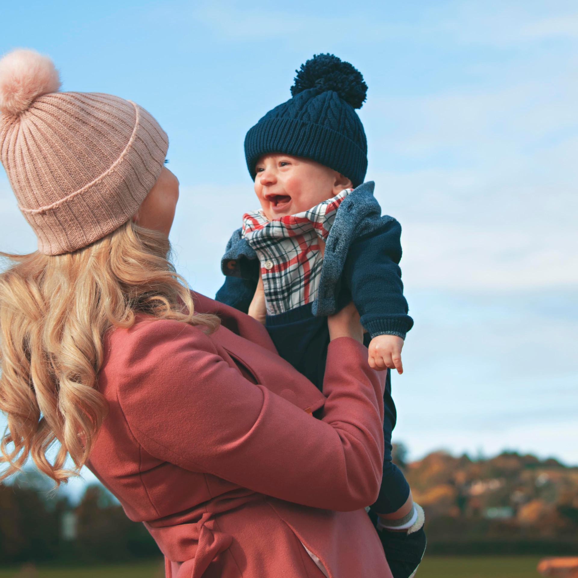 Lovely Mummy & Son Portraits at the Pumpkin Fields