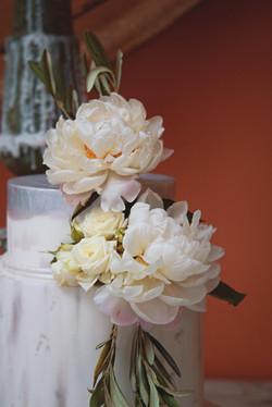 Tuscan Themed Wedding Cake Details