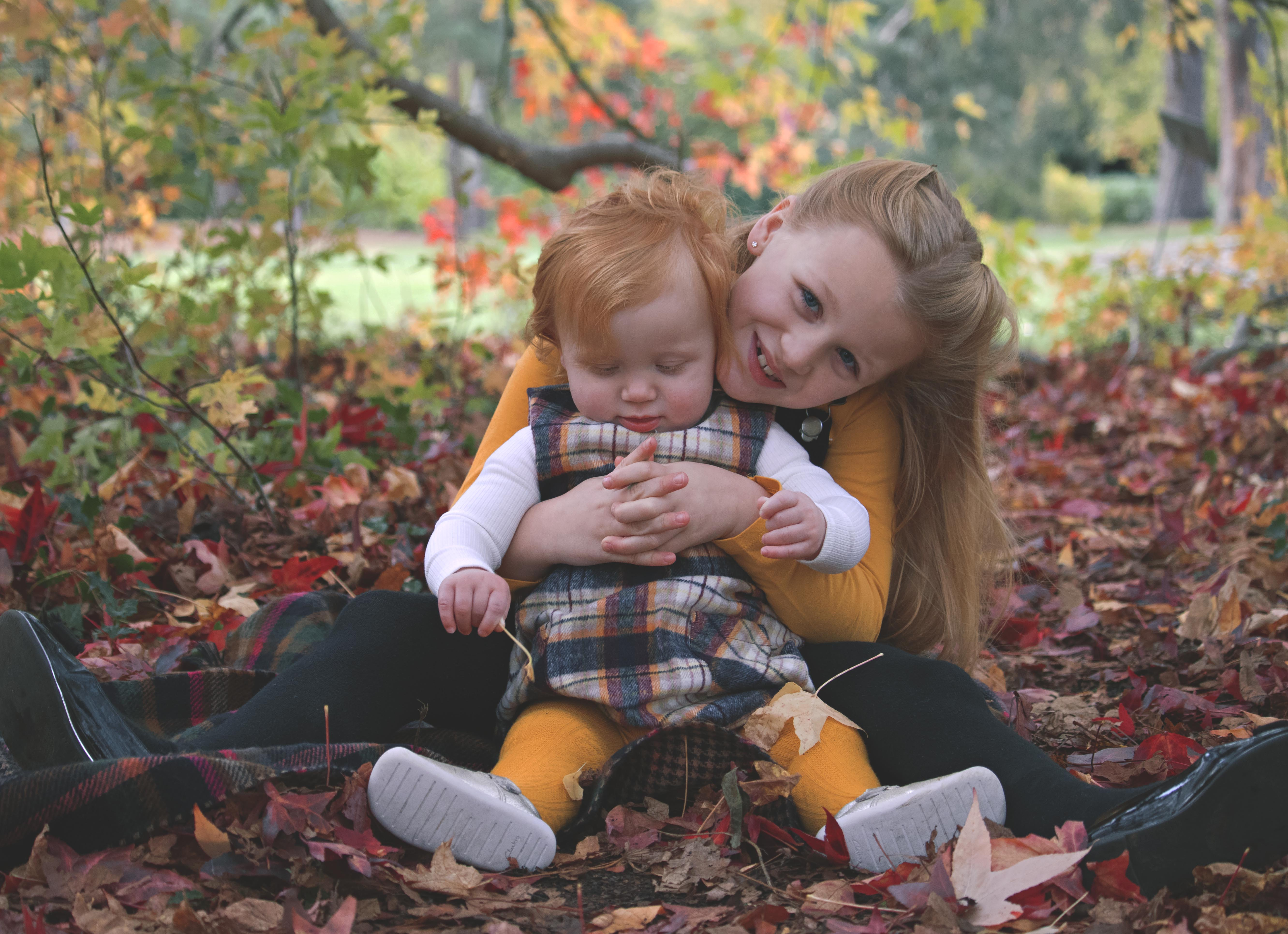 Autmnal Outdoor Family Photoshoot