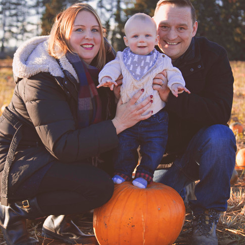 Relaxed Pumpkin Family Portraits in Surrey