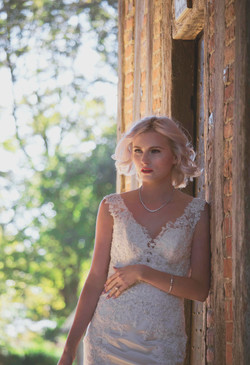 Relaxed & Romantic Bridal Portrait in Spring