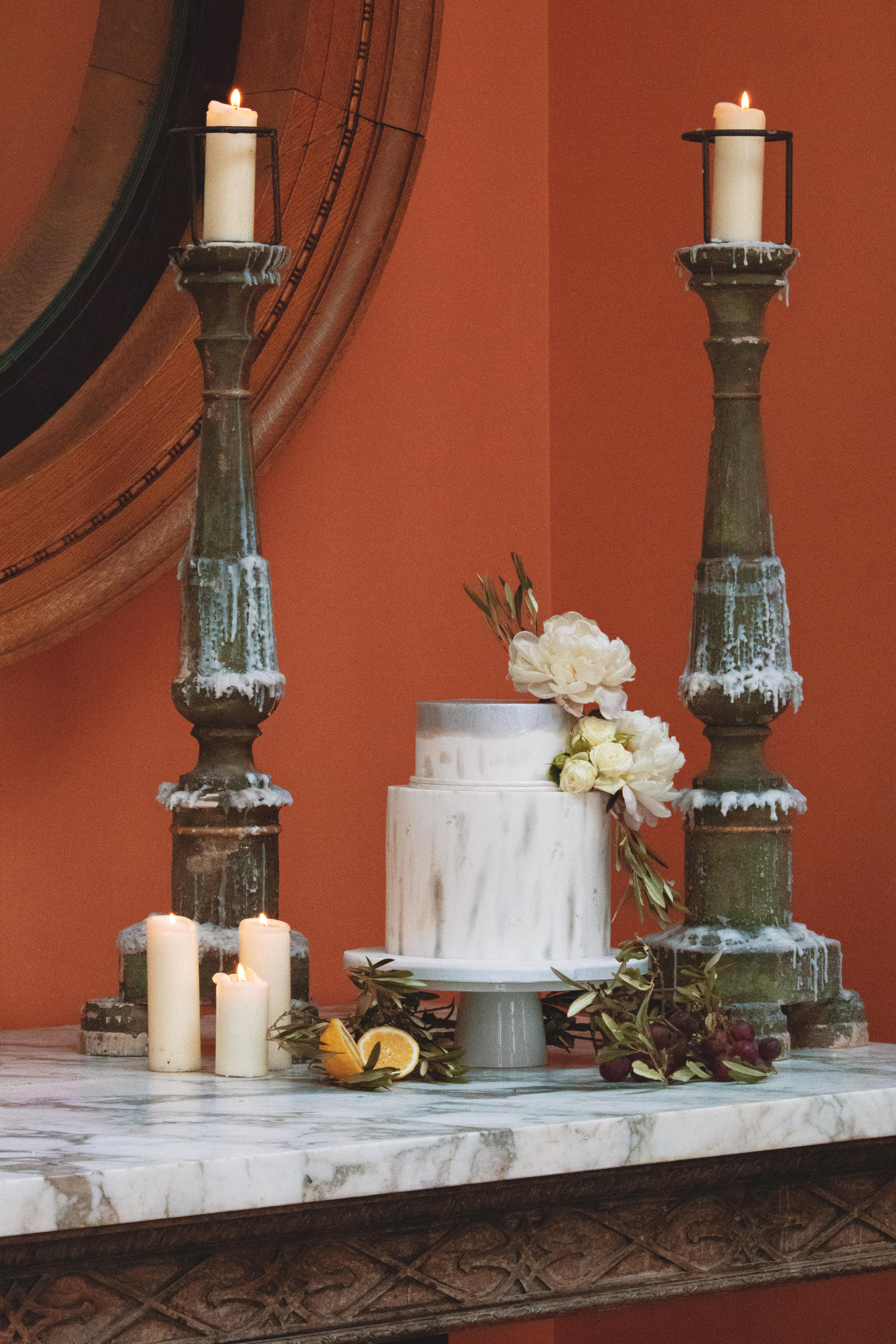Euridge Manor Tuscan Themed Cake Table