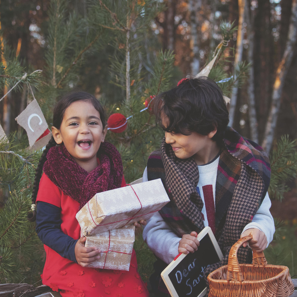 Fun & Relaxed Family Photography at Christmas