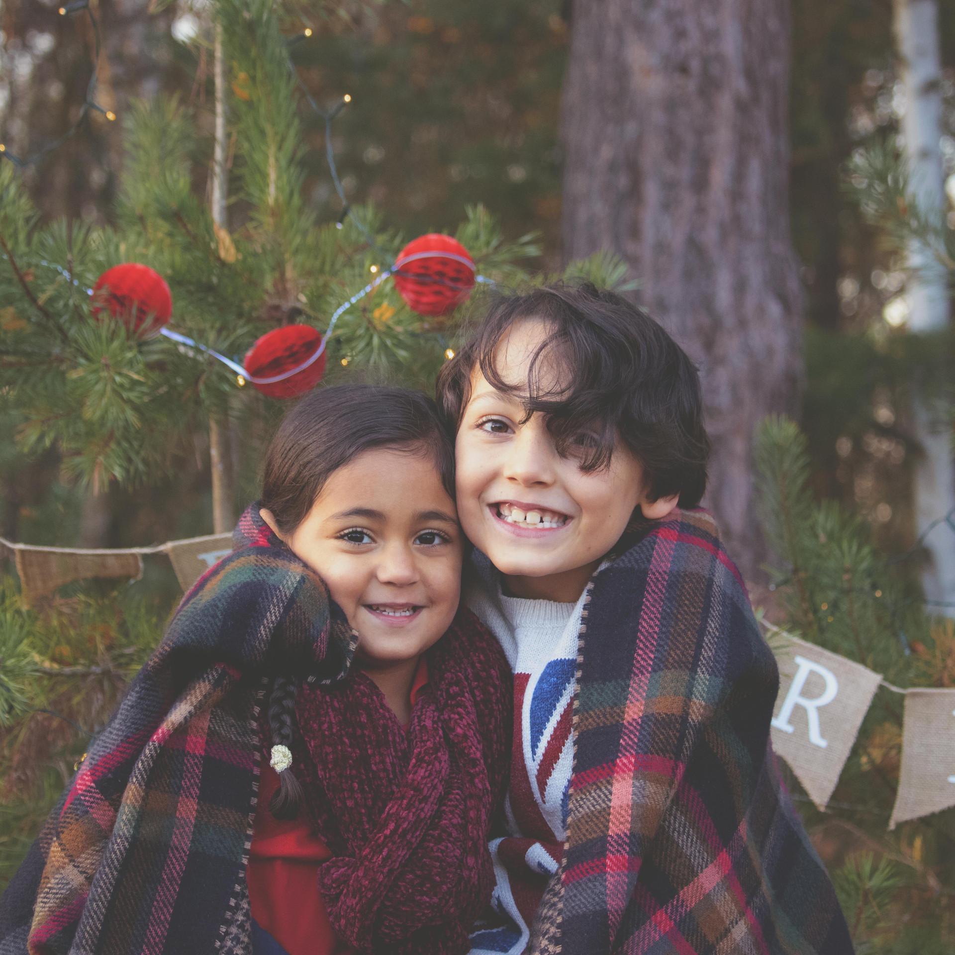 Fun Family Portraits at Christmas Time