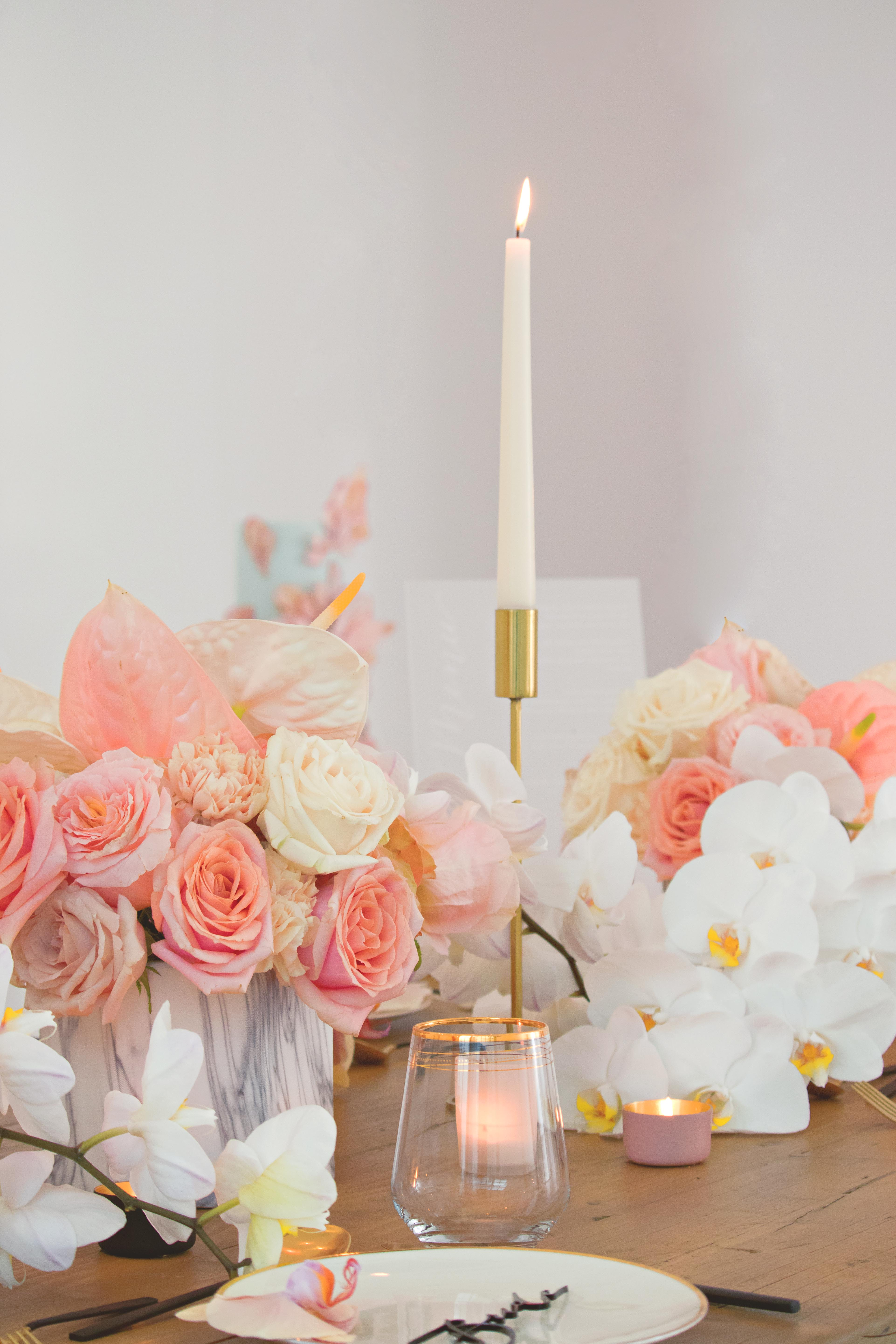 Pink, Gold & White Wedding Table