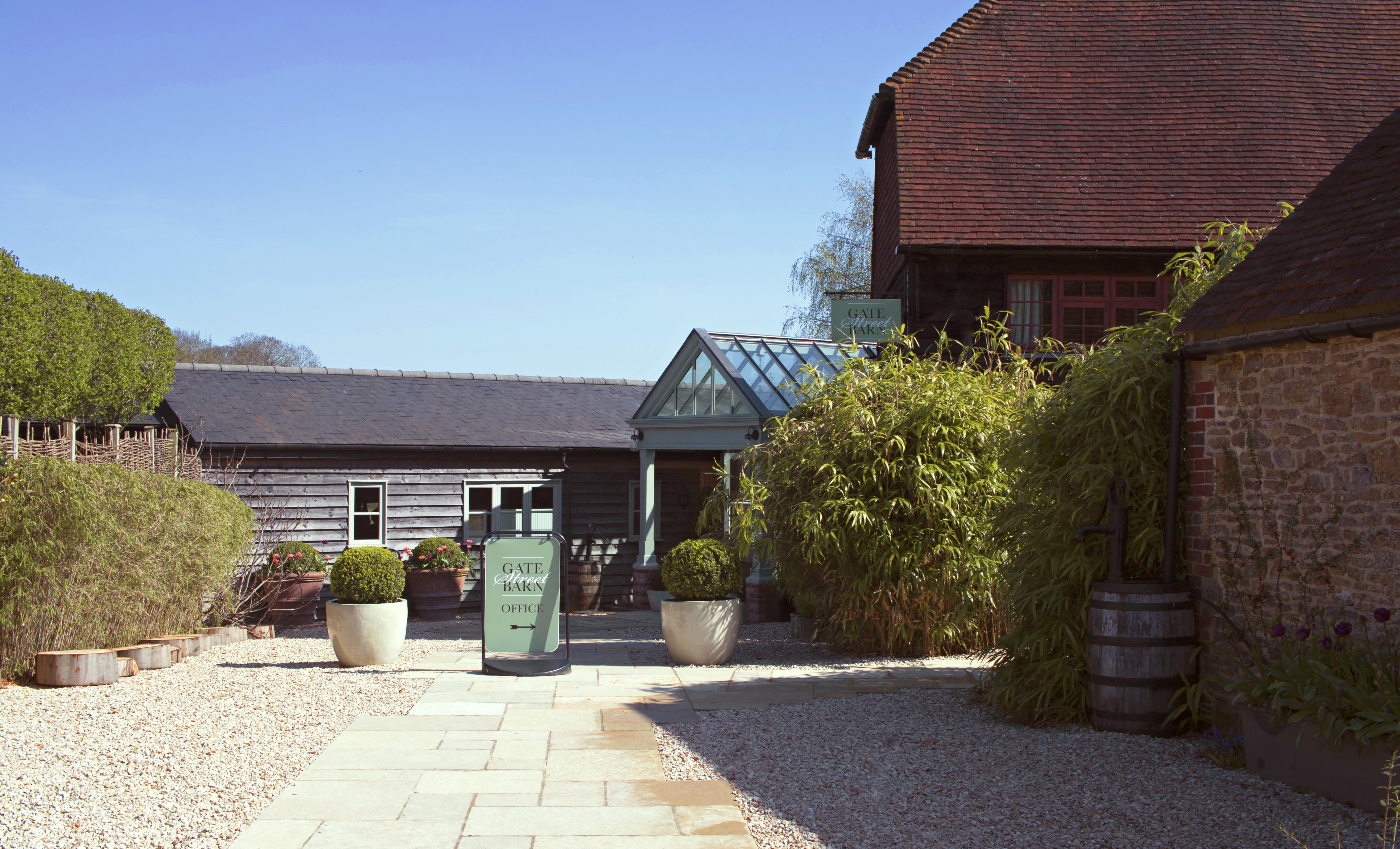 Gate Street Barn, in Surrey, Enterance