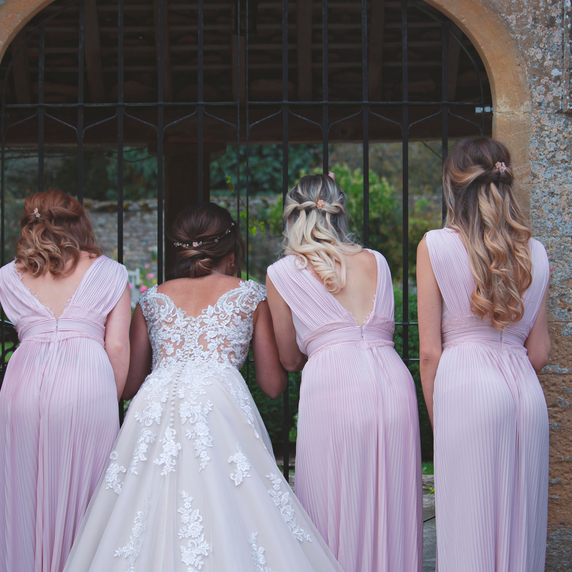 Documentary Bride & Bridesmaids Shot